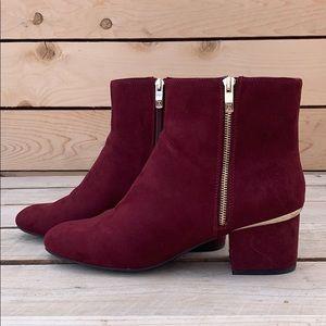 🆕 Liz Claiborne Goldie Burgundy Boots